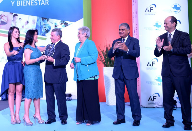 Picture of Jose Natalio Redondo accepting his award at the 3rd International Health & Wellness Tourism Congress